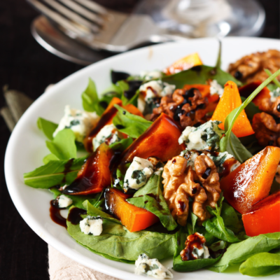 Tossed Salad with Walnuts and Blue Cheese