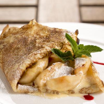 Red Apple Balsamic Cinnamon Streusel Pancakes